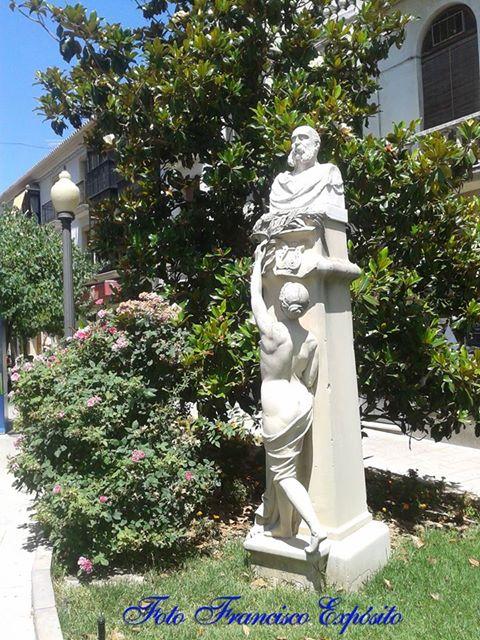 Estatua Amador de los Rios