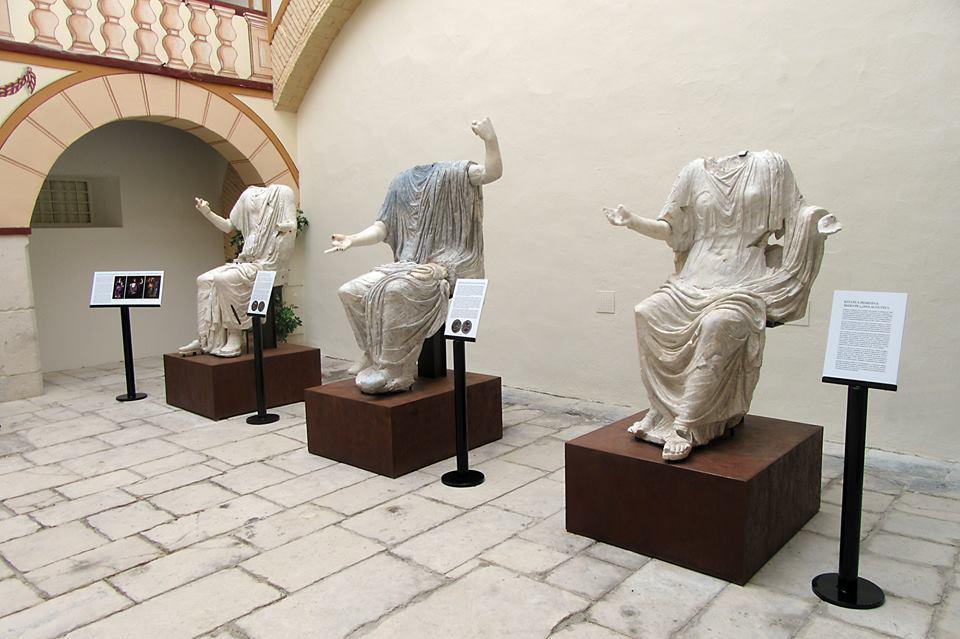 tres-esc-romanas